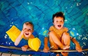 6 motive să învățăm să înotăm