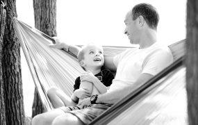 De ce simtim nevoia de a ne juca cu copiii?