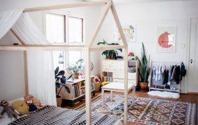 Idei de amenajare a camerei copilului în stilul Montessori