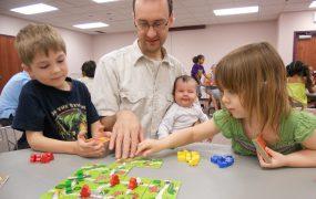 Beneficiile jocurilor de societate în era tehnologiei moderne