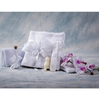 Trusou Botez White Pure and Simple cu Prosoape, Panza, Fasa, Sapunel si Sticluta pentru Mir, Nikos Collection