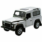 Masinuta Land Rover Defender Scara 1:24, Welly
