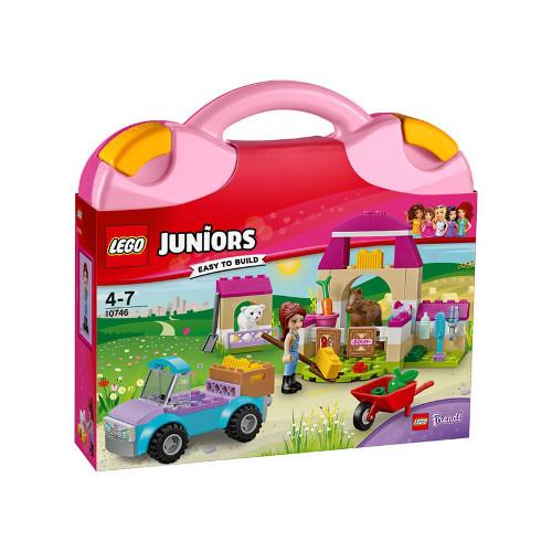 LEGO Juniors Valiza de Ferma a Miei 10746, LEGO