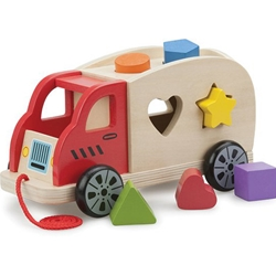 New Classic Toys - Camion Shape Sorter cu 6 Forme