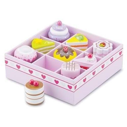 New Classic Toys Set de 9 Prajituri in Cutie de Cadou
