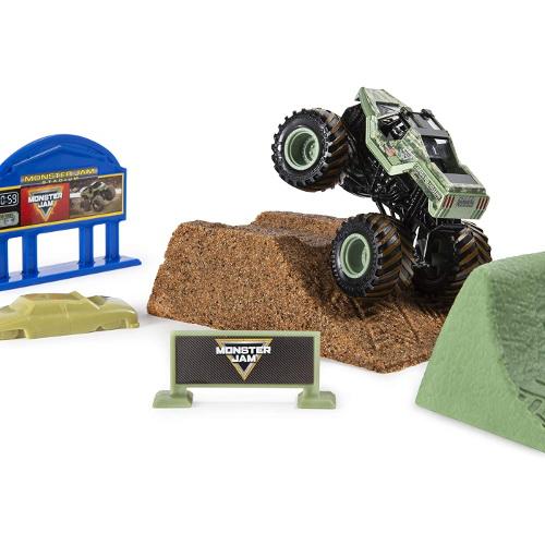 Set de Joaca Camioneta Soldier Fortune cu Nisip Kinetic si Accesorii Monster Jam